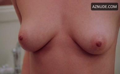Topless Amy Campbell Nude Pics