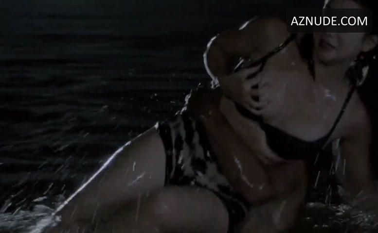 Allie Gonino  nackt