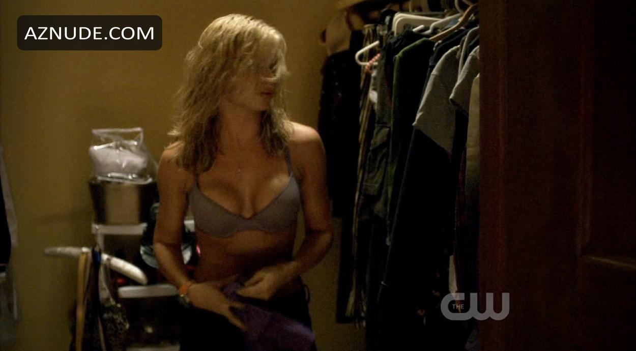 Alyson Michalka Desnuda browse celebrity changing images - page 8 - aznude