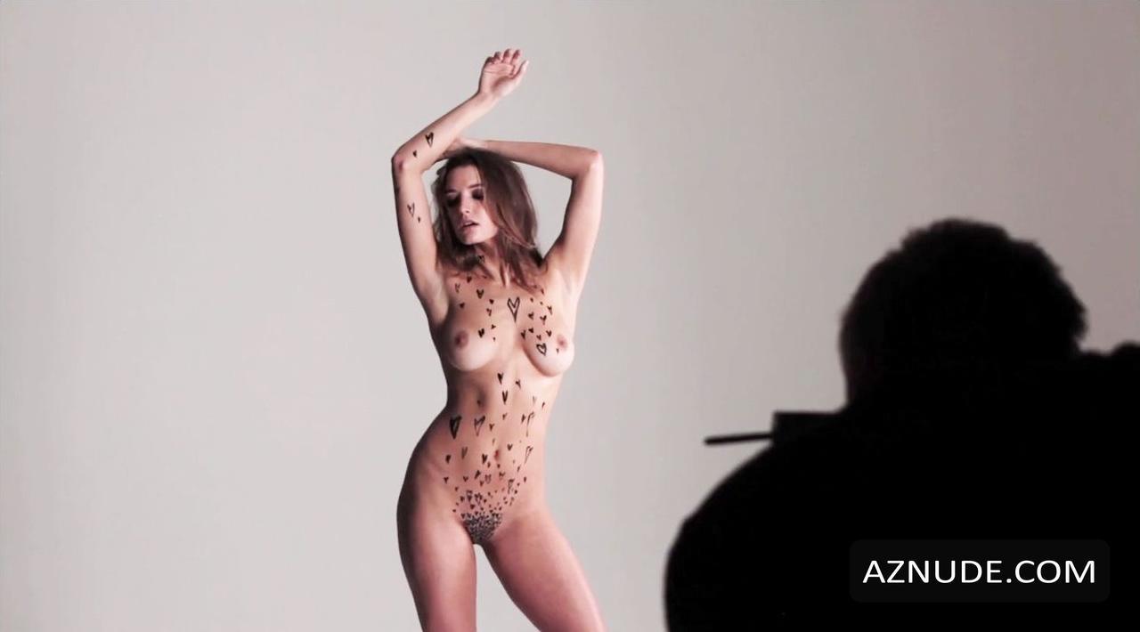 Hot Emma Hewitt Nude Jpg
