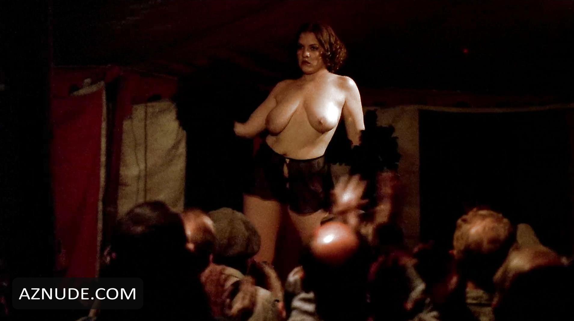 Naked Amanda Aday nude photos - edheatonphotocom