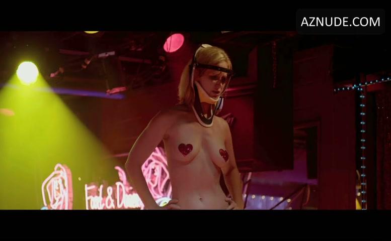 Beautiful naked strip who woman