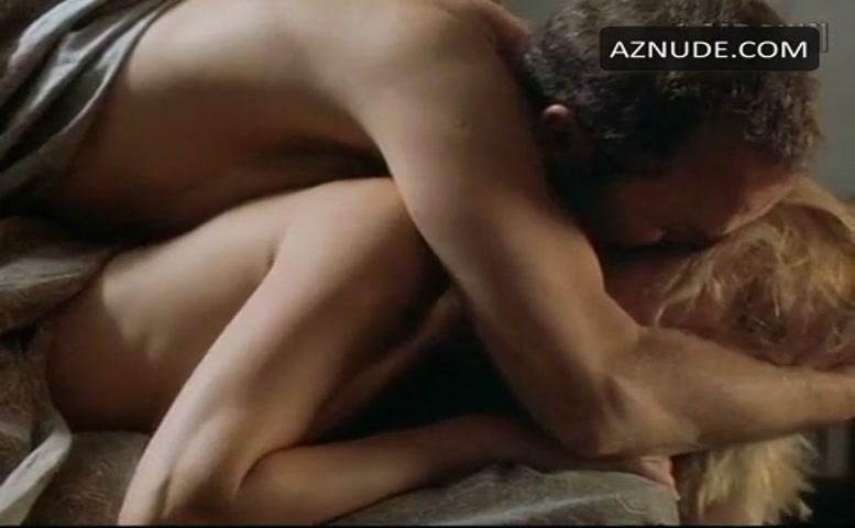 Amber valletta sex scene