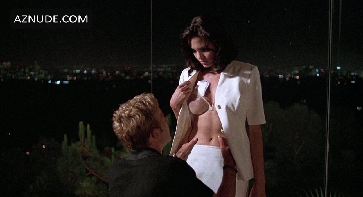 Angelina jolie real nude lesbian