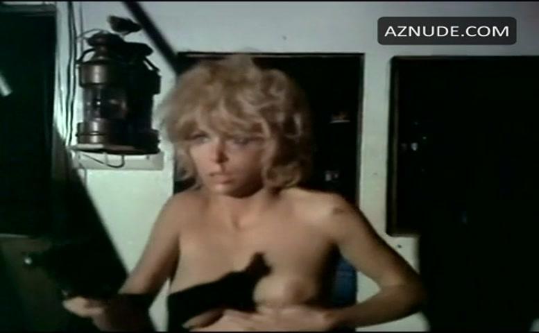 Angelique Pettyjohn Breasts, Butt Scene In The Gi -1703