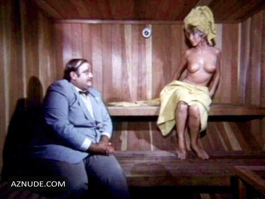 Angelique Pettyjohn Porn Movies the seduction of a nerd nude scenes - aznude