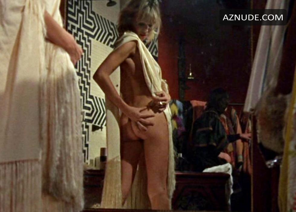 Nude performance Free Nude