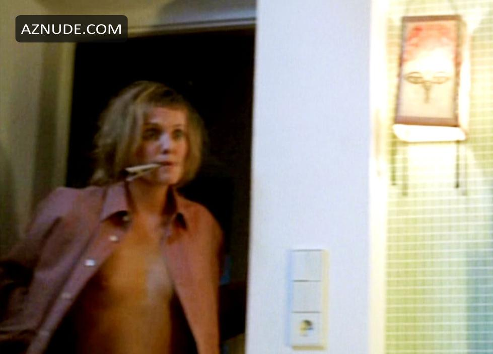 Annette Uhlen  nackt