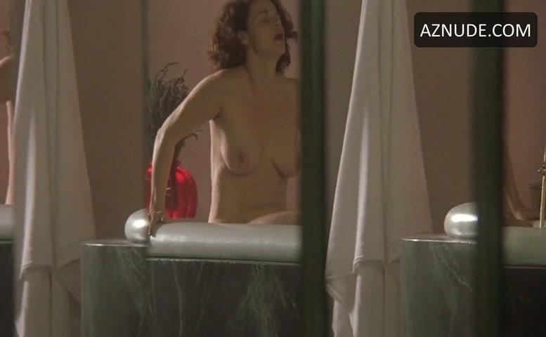 Anna Galiena  nackt