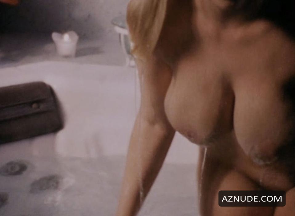 from Avi nude annabelle nicole smith