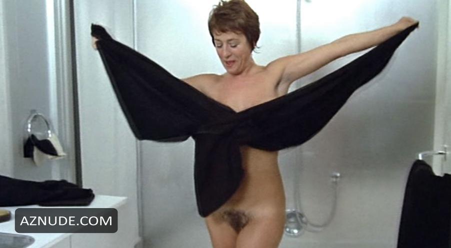 Annie Girardot Nude 34