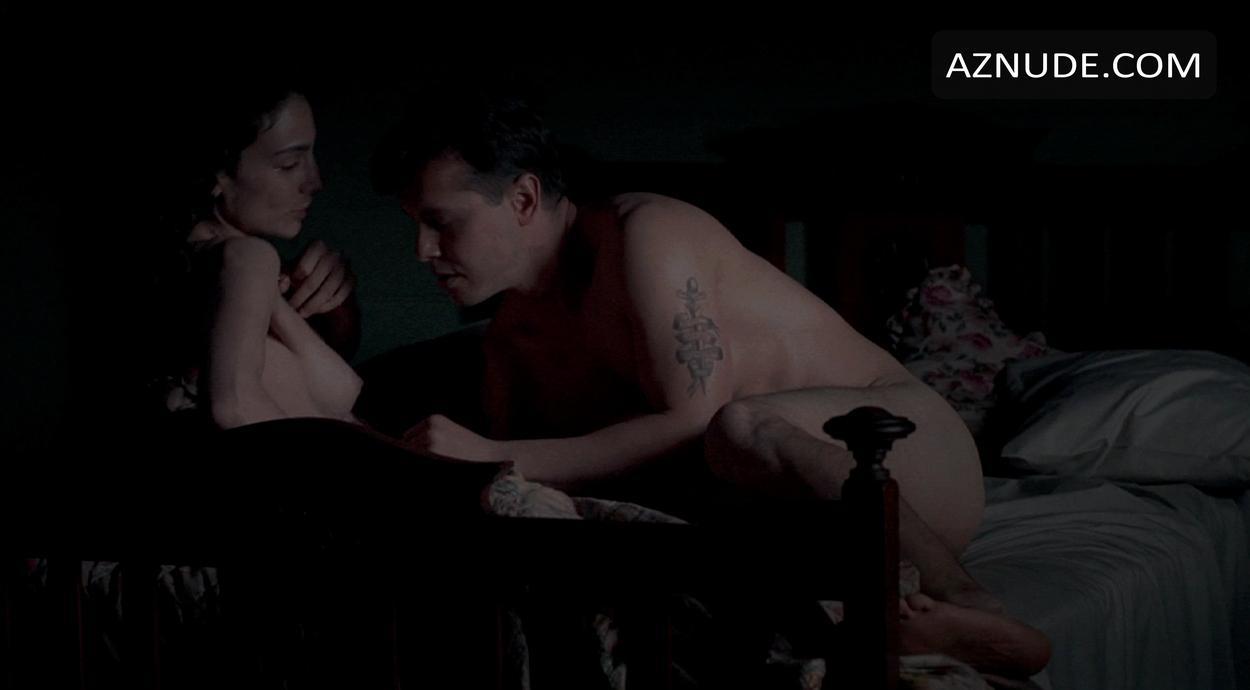 Annie Parisse  nackt