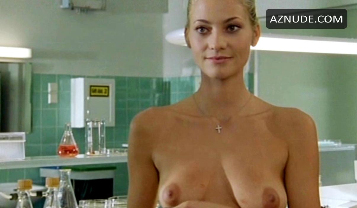 Annika Zimmermann Bikini
