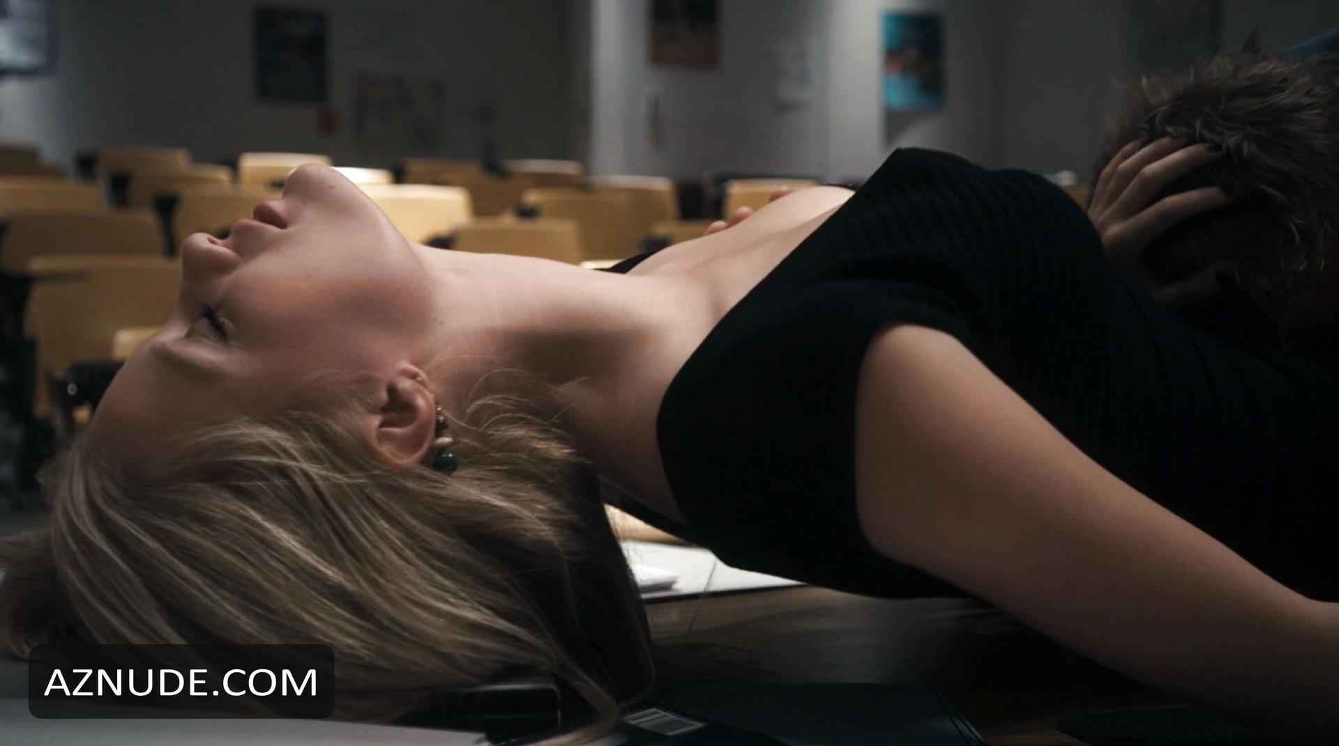 Ashley Hinshaw Nude - Aznude-4070