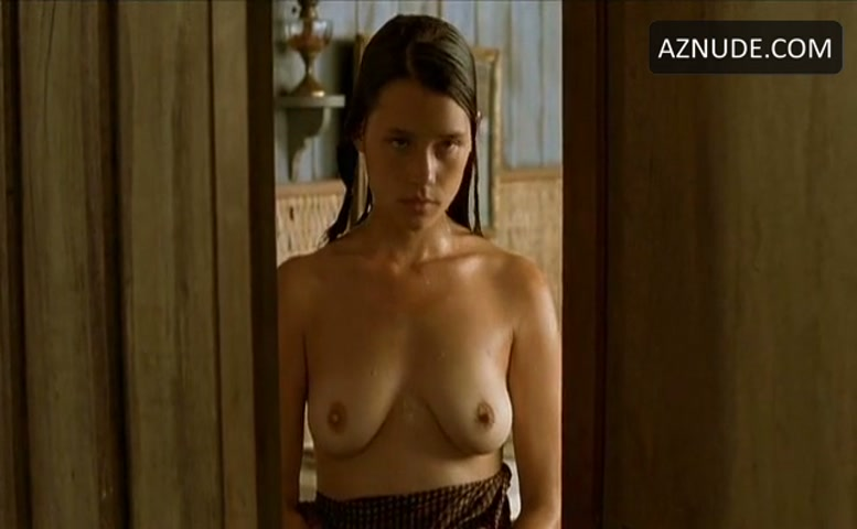 Astrid bergesfrisbey nude the sea wall 4