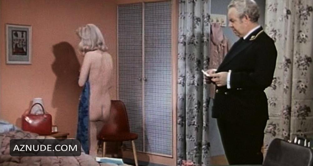 Astrid Frank  nackt