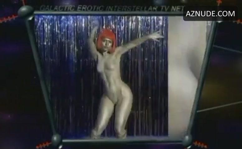 Nude girl selfie sucking