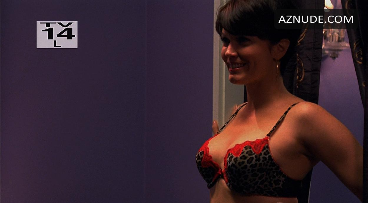 bellamy young nude - aznude