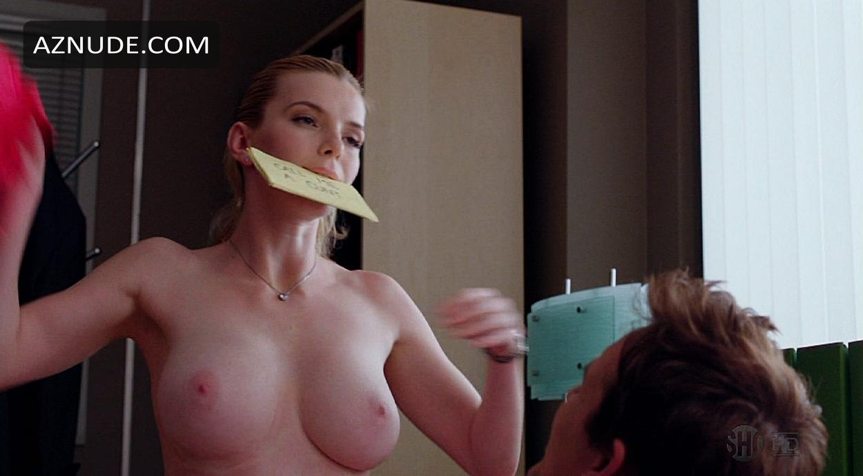 girls gang bang she male