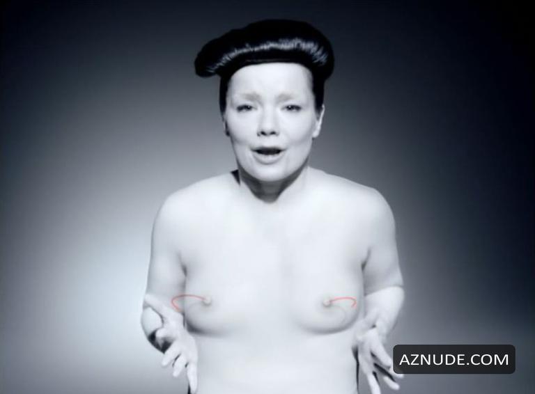 Björk  nackt