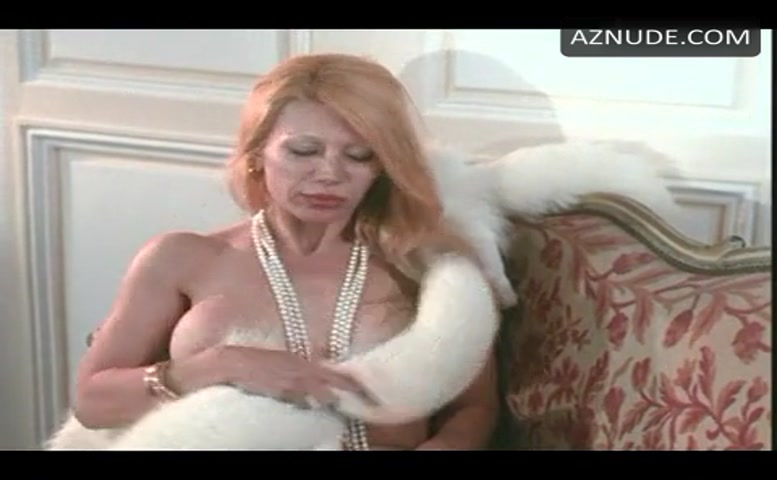 De nackt  Brigitte Borghese Female Nudity
