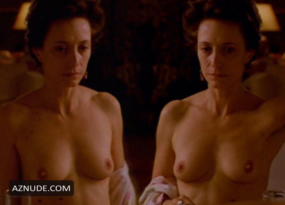 Boobs Simone Lahbib Nude Pics