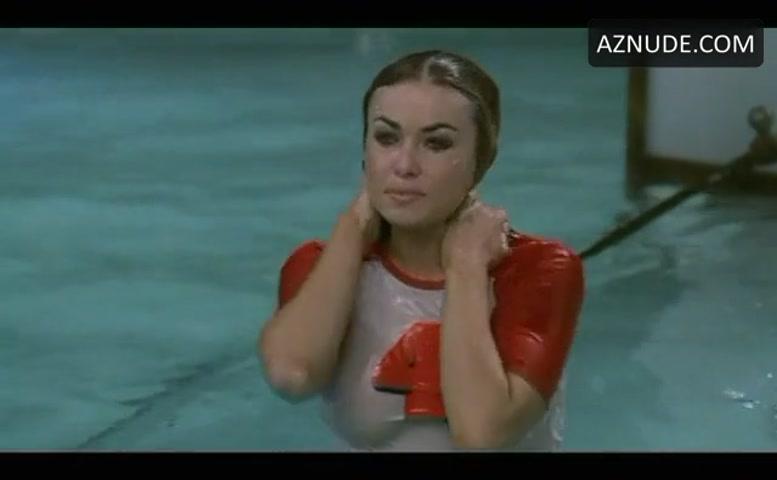 Carmen electra wet nude — 2