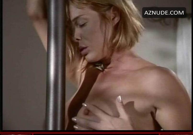 Caroline Key Johnson  nackt