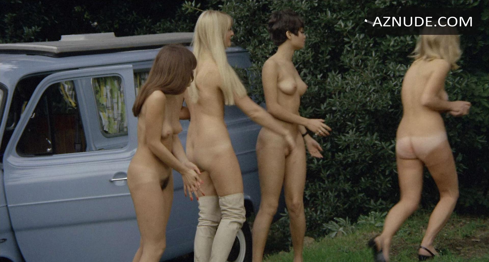She nude school d'un couple