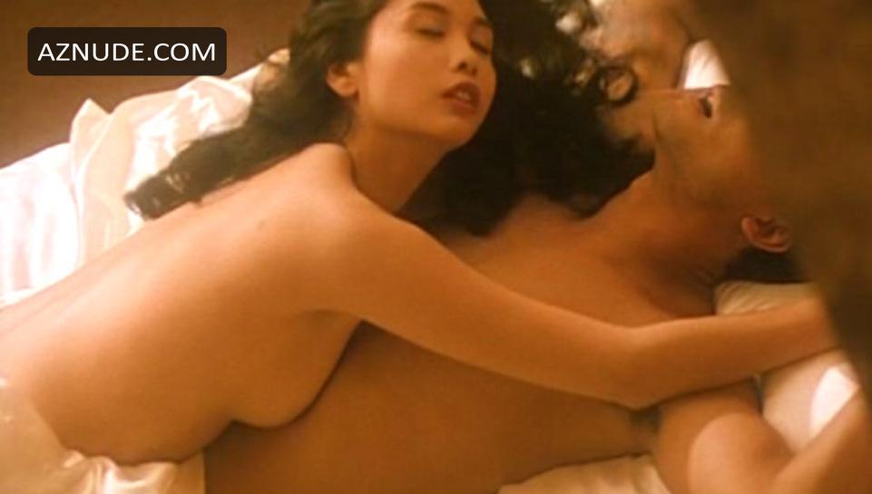 nude female buttocks spread