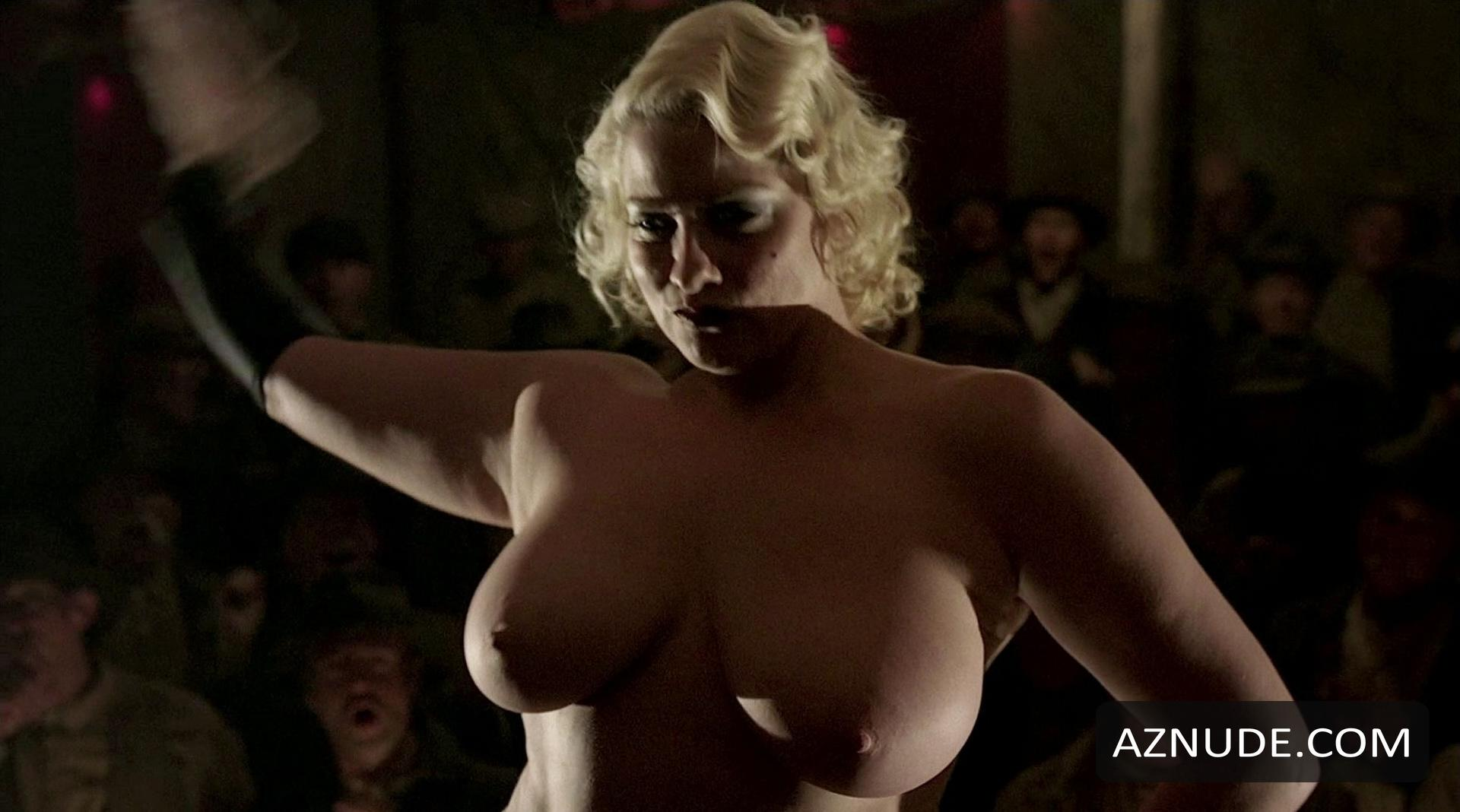 wide-hip-fake-nudes-of-cynthia-watros