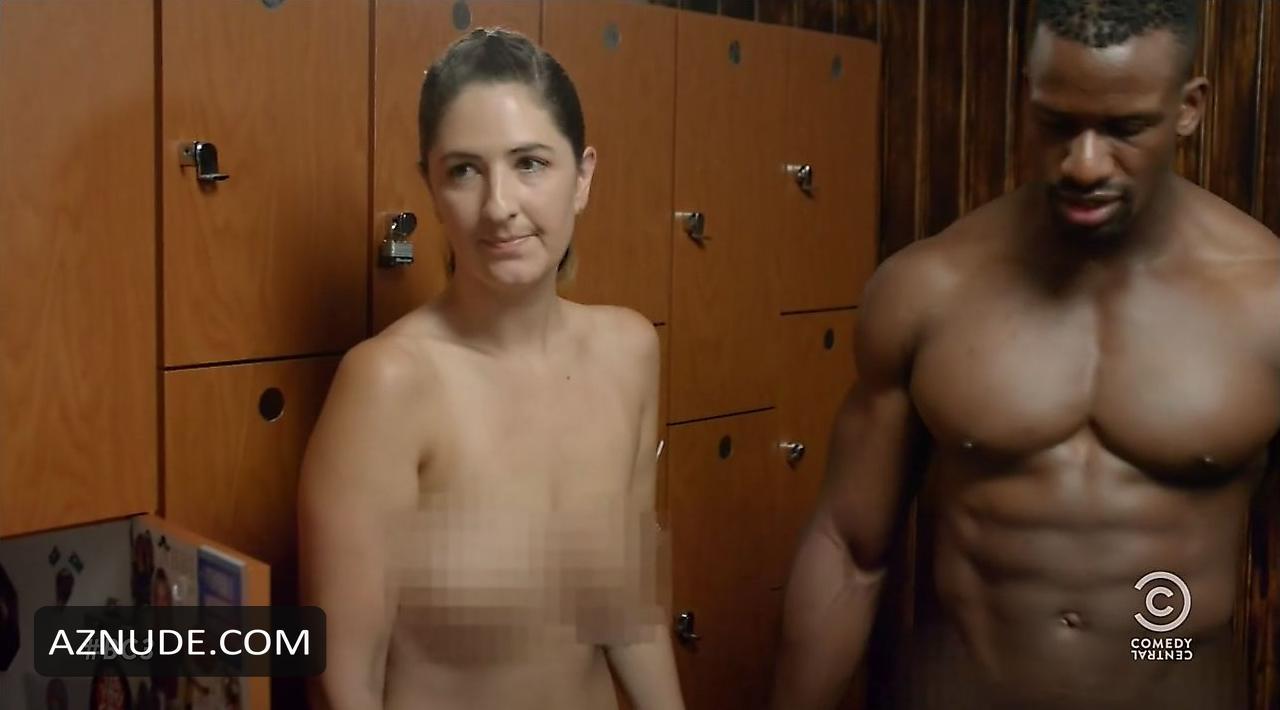 female nudity lesbians