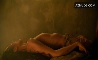 kirsten dunst naked shower scene