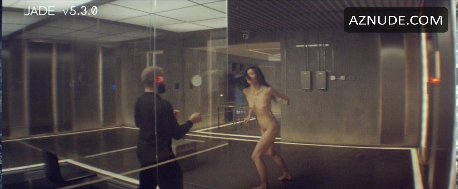 Topless Kim Kardeshian Nude Photos