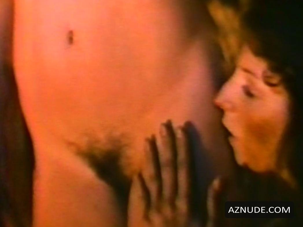Elizabeth Halsey  nackt