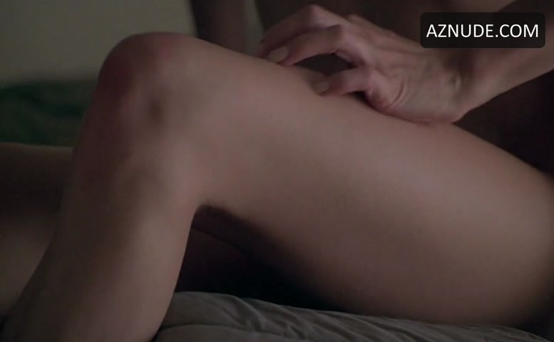 Elizabeth mitchell breasts