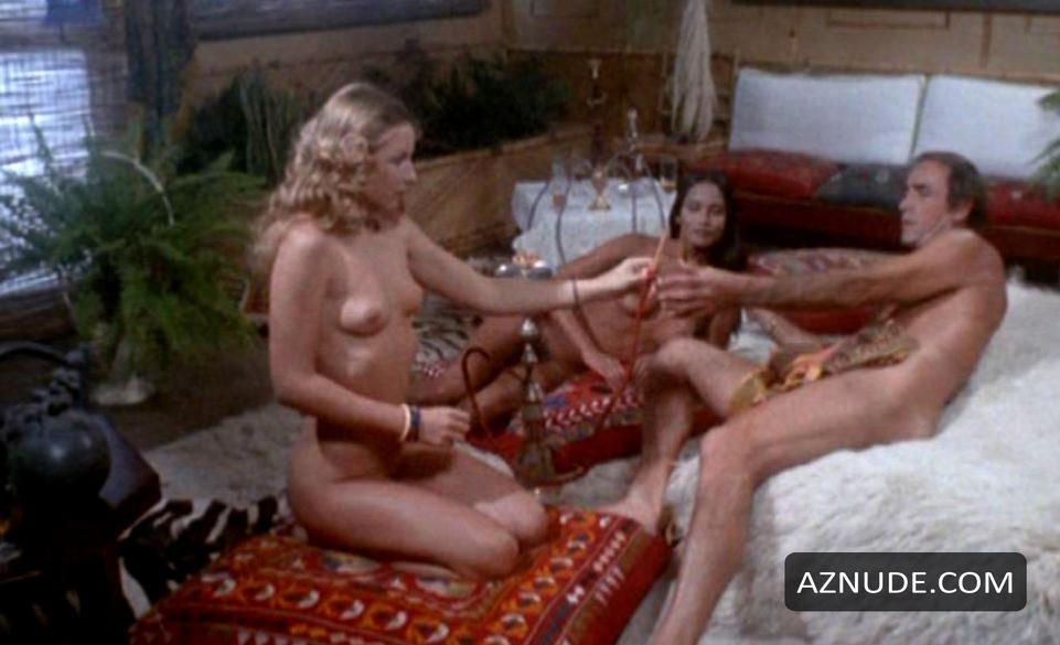 Laura gemser nude in emanuelle and the last cannibals 5 - 1 4