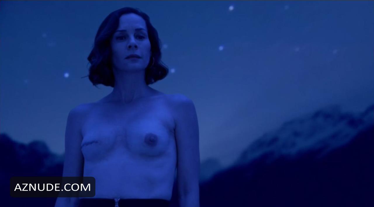 naked Elizabeth davidtz