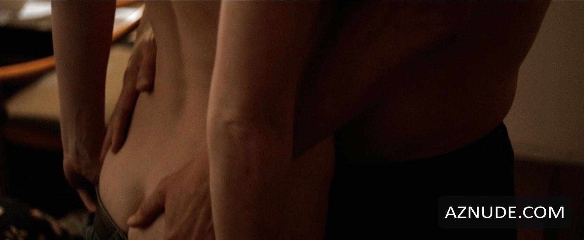 emily blunt ass in underwear