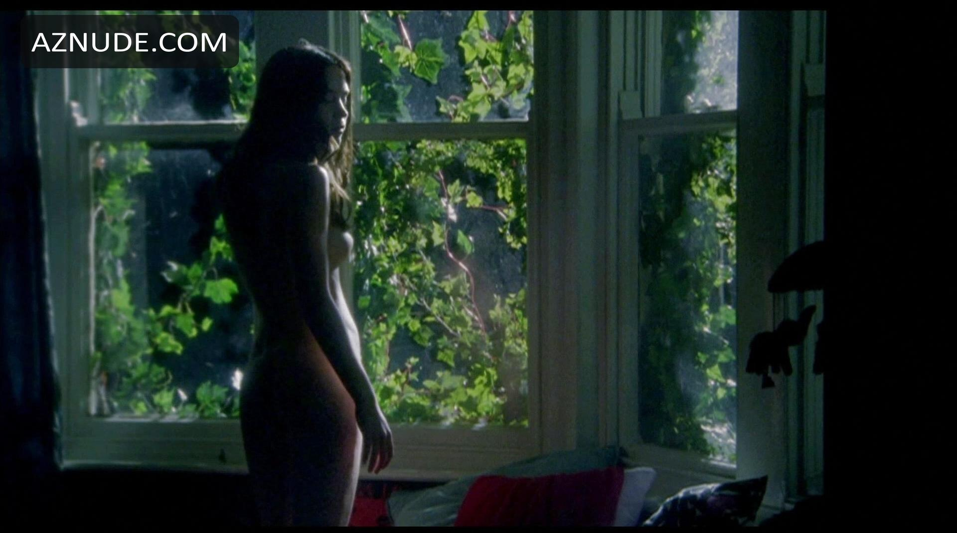 Emily Blunt Nude With Natalie Press In My Summer Of Love