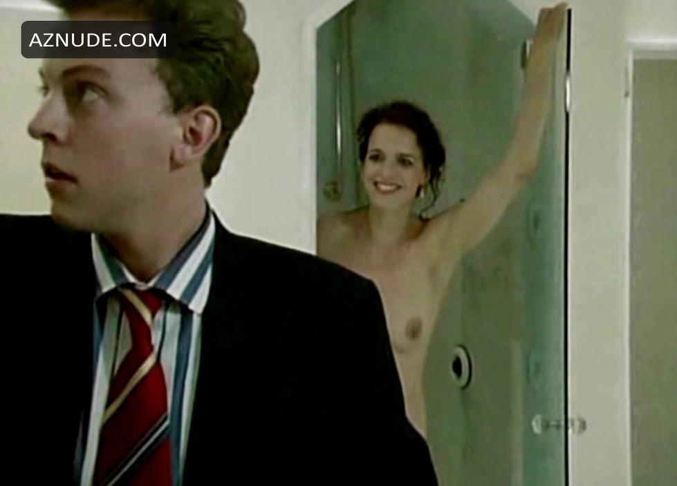 Weniger nackt Nina  Nina Bott