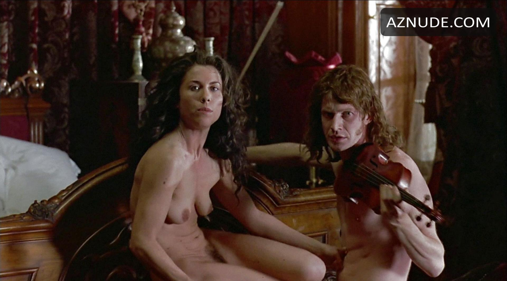 nude Red violin greta scacchi