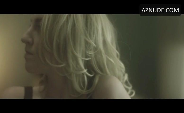 Avril lavigne fingering gif