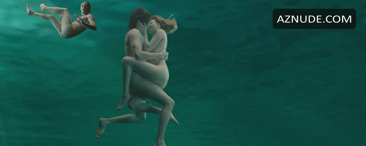 Across The Universe Nude Scenes - Aznude-3016
