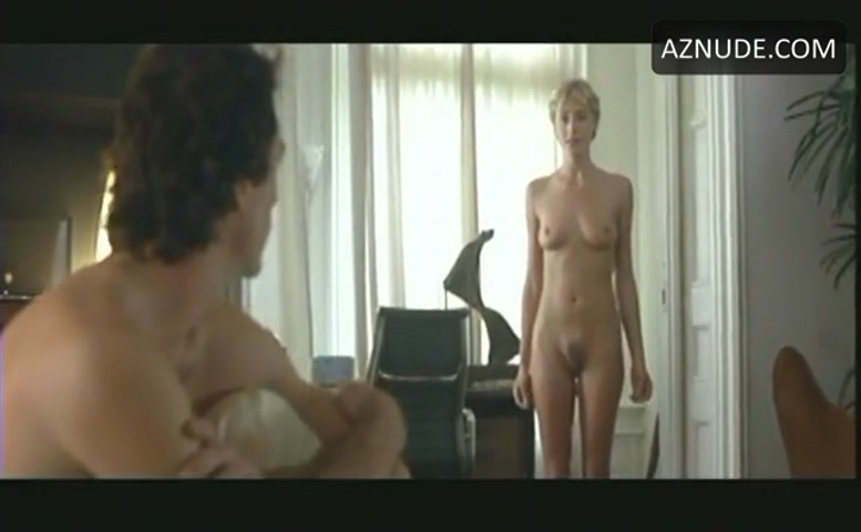 Vee nackt Vimolmal Movie Review: