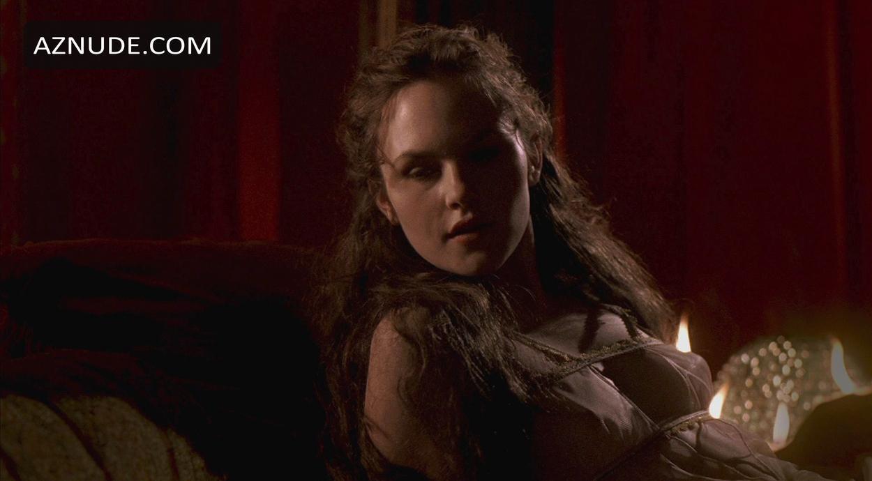 Francesca Fowler  nackt