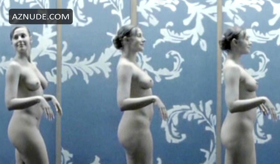 Francesca Strauss  nackt