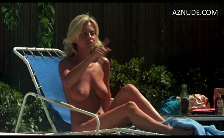 Fran Drescher Bikini, Breasts Scene In The Hollywood -1062