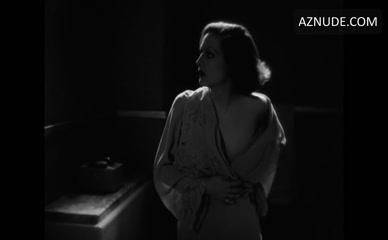 Nackt Greta Garbo  Nicole Sassaman