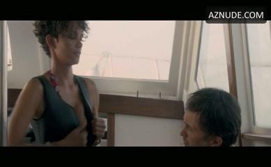 Berry movie nackt halle 43 Halle Berry